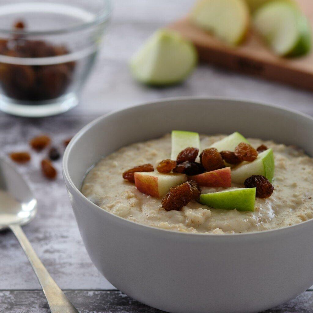 apple and sultana porridge
