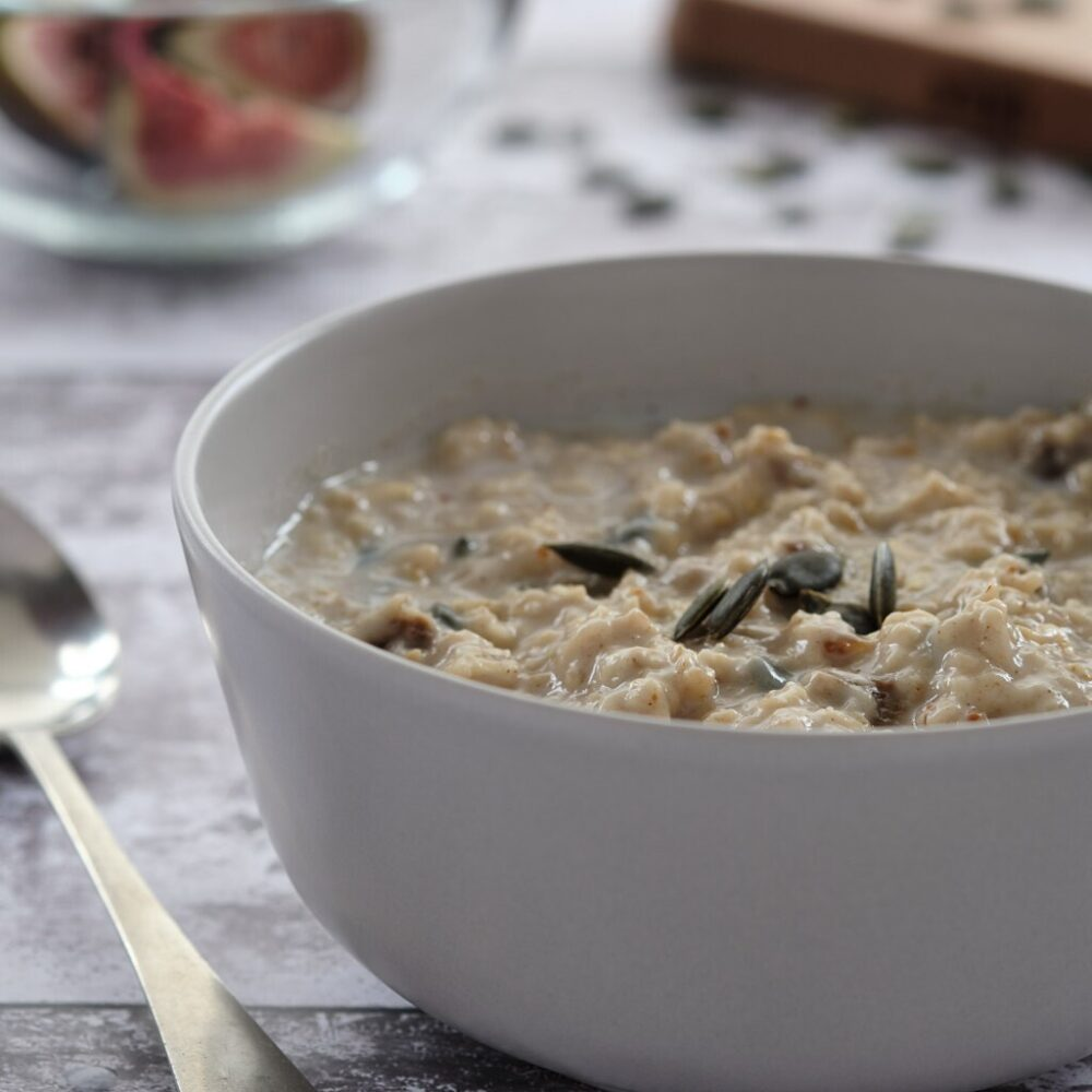 fig and pumpkin seed porridge
